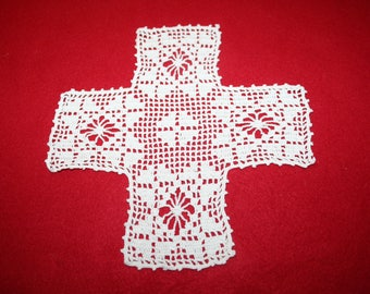 Vintage Hand Crocheted Doily- 7 1/2 inch