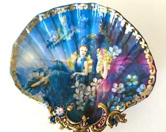 Jewelry Dish , Shell Dish,  Fairies Shell Jewelry Dish Trinket Dish Ring Dish Shell Art
