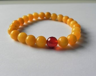 Orange quartzite and red carnelian stretch gemstone bracelet