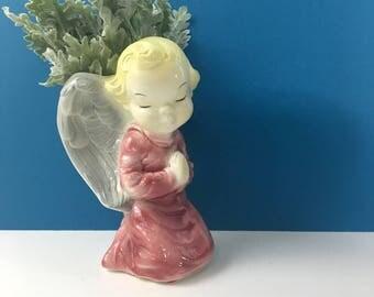 Praying angel wall pocket - vintage ceramic - 1940s