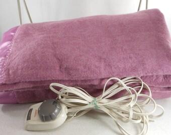 SUNBEAM Warming Electric Blanket Lavender Acrylic Nylon Binding