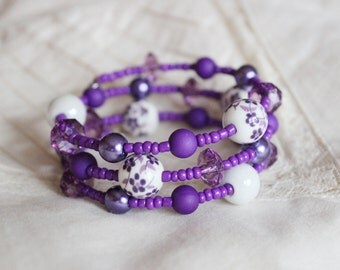 Purple and white memory wrap bracelet, Violet beaded bracelet, purple flowers, ceramic cuff, Summer, beading, Hippie and boho jewelry