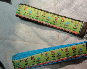 Fun Jacquard Woven Print Ribbon Key Fobs in bees on flowers