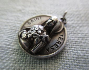 vintage round sterling silver charm-Creed, St Teresa, the Little Flower