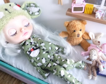 Blythe Cute Sheep Pyjamas & Hat  (BD19616)