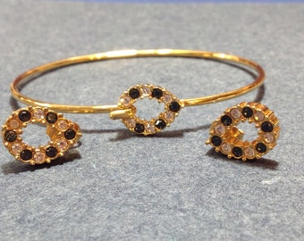 Wire Bracelet and Earring set Faux Sapphires