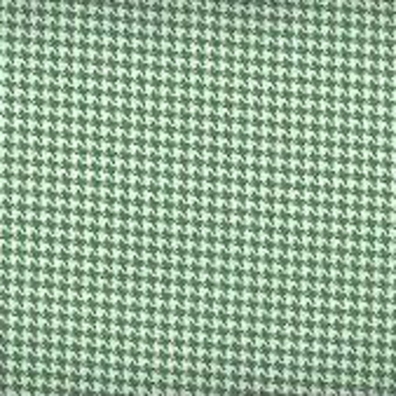 Houndstooth fabric,Kelly Green and white houndstooth fabric,100% cotton,Quilt fabric,Apparel fabric,Craft,Sold by FAT QUARTER INCREMENTS