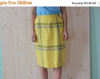 SALE Vintage 70's Yellow Checkered Mid Skirt linen Pencil skirt