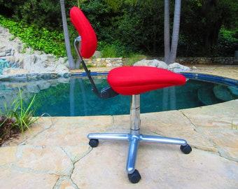 Herman Miller Ergon 4-Star Office Chair Tilt Back Original Alexander Girard Red Hopsack Fabric 76'-88