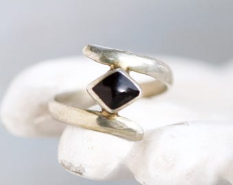 Bypass Ring With Black Stone - Tibetan Silver Ring Size 7 - Geometric Shapes - Spiral Ring