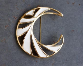 White and Gold Stripes Lapel Pin - 80s Fashion Brooch - Signed Monet - Large Letetr C Initial