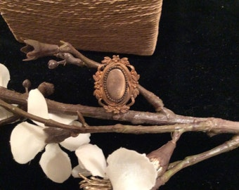 Antique Gold Tone Oval Leaf Ring Brooch, Antique Gold Pin, Antique Jewelry, Vintage Jewelry, Vintage Gold Pin, Vintage Gold Brooch