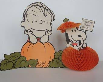"Vintage hallmark snoopy Linus 19"" Schultz fold out Charlie brown store display"