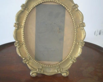 Syroco Inc. Frame made in the USA 1943 Gold color