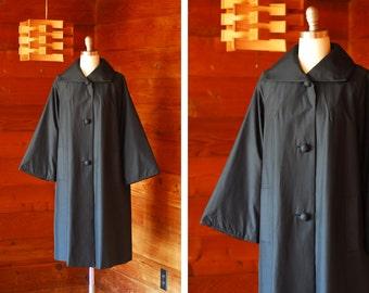 vintage 1960s black silk swing coat / size medium large