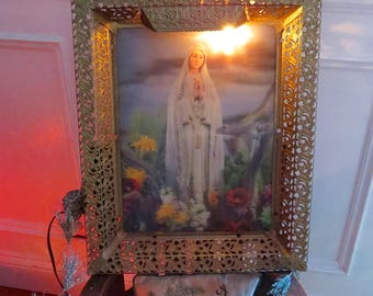 "Vintage VIRGIN MARY  21"" x 16"" 3-D Holograph Lighted Shrine- Stunning and perfect for your Religious collection"