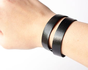 Leather Bracelet / Slim Wrap Cuff / Black Metallic