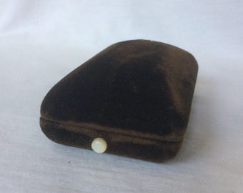 Vintage Cufflinks Box Brown Velvet Cuff Link Lingerie Bar Pin Jewelry display MOP Pearl Button Philadelphia Paris London