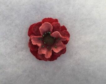 Flowers Brooch - Felted Flower- Hand felted brooch - Wool brooch- Red pink  flower brooch
