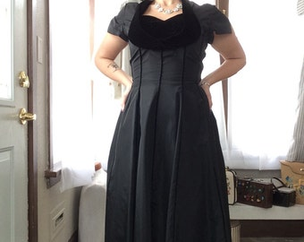 Exquisite 1950's Black Taffeta & Velvet Dress