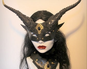 Womans Goblin Witch mask & collar