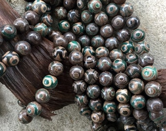 Beautiful Big 20mm Round Tibetan Beads, Strand of 18 Beads TB13
