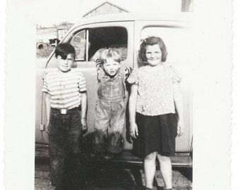 Sibling Gangs all Here Social Realism Photography snapshot found vernacular photo original old photograph photo ephemera children