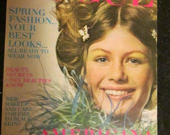 Feb 1970 VOGUE MAGAZINE