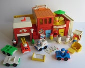 Fisher Price 1973 Play Family Village #997 - Complete with mail