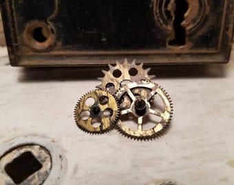 Clockwork Pin
