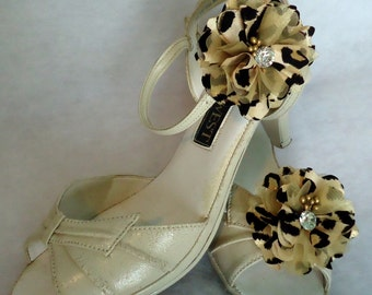 Shoe Embellishments, Gold Black Shoe Clips, Flower Shoe Clips, REX16-406