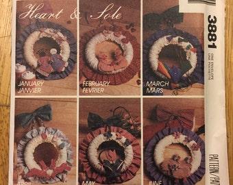 McCalls Crafts Pattern 3881 Heart & Sole Seasonal Wreaths