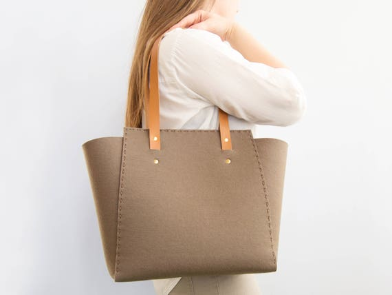 Wool Felt TOTE BAG / taupe felt tote bag / womens bag / felt shoulder bag / carry all bag / made in Italy