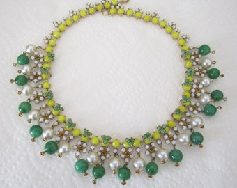 Fantastic collar necklace with faux pearls and green beads. fringe necklace