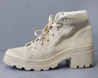Vintage cream white suede leather women army style hiking combat booties boots Size 37 7