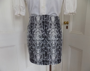 1990s does 1960s 'Vintage Blue' Label Faux Snakeskin Hipster Go Go Mod Mini Skirt 90s 60s
