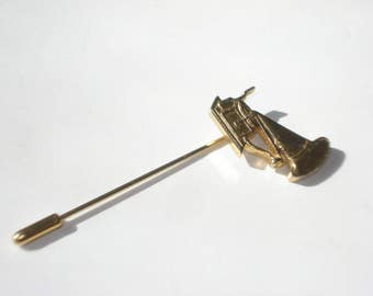 Vintage Gramophone Stick Pin - Gold Tone Record Player Hat Pin - Retro Jewelry Brooch - 1970s