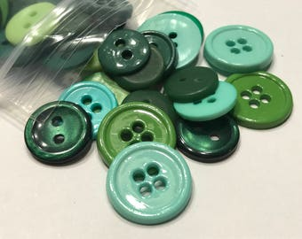 50 piece assorted green tone Button mix, 11 - 15 mm (46)