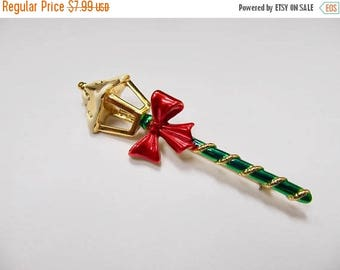 On Sale Vintage Enameled Christmas Lamp Post  Pin Item K # 2710