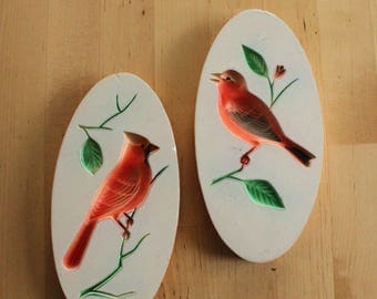 Vintage chalkware bird wall plaque set, with intaglio cardinal and sparrow, Chalk ware bird plaques, Vintage pair of Bird portraits white