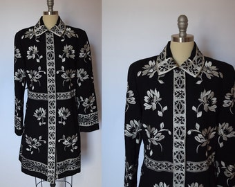 Vintage Wool Coat with White Embroidery