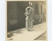Vintage Snapshot Photo: Woman in Sunlight, c1910s (611519)
