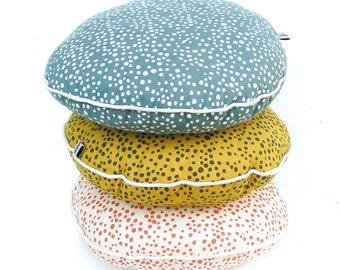 Round pillow ,Polka dot