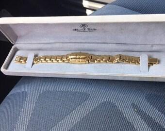 Vintage gold plated Gruen ladies watch/bracelet...FREE shipping!!