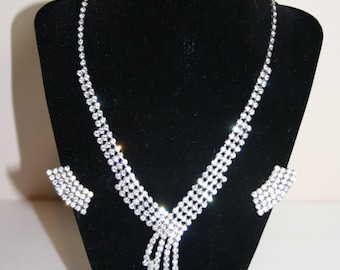 Stunning Vintage Rhinestone Necklace and Clip Earring Set