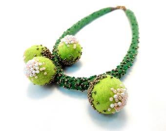 Green Felted Necklace. Fresh Necklace. Felt Jewelry. Hand Felted Merino Wool Necklace. White pearls necklace. Statement Felted Necklace