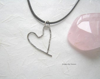 Heart pendant, silver wire, hammered, original handmade, wire wrapped, gift under 20, GBT251