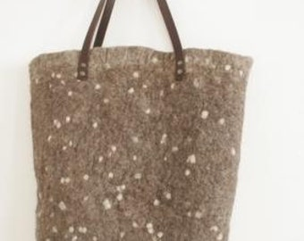 Large wet felted tote bag beige off-white dots real leather handles pure wool