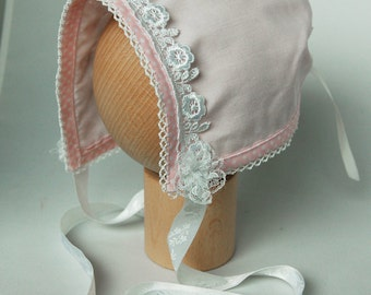 Baby bonnet newborn light pink with white lace and ribbons