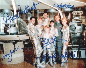 Lost In Space signed Lockhart Goddard Mumy Kristen Cartwright 8X10 photo picture poster autograph RP 2